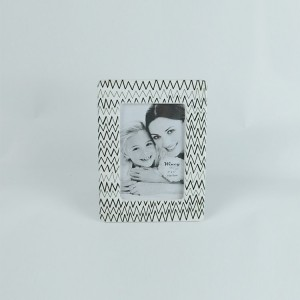 Hot selling best quality flower pattern embossed standing ceramic flower photo frame