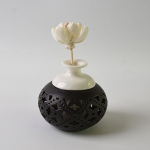Factory Hot Selling Ceramic Aroma Rose Stone flower reed diffuser bottles for home decor