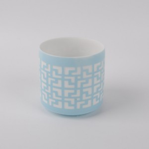 Customized wholesale hollow out candle holder ,white tealight candle stick