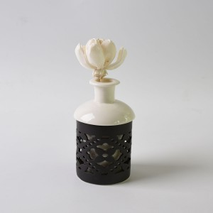New Fashion White Porcelain Aroma Burners Ceramic Oil Burner With Flowe