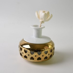 Hand Made Decorative Gold Porcelain Oil Diffuser with Flower